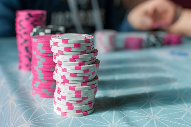 When Should You Be Pushing All In When Playing Tournaments in Online Poker