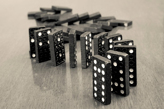 How to Play Domino Poker in Simple Rules and Strategies